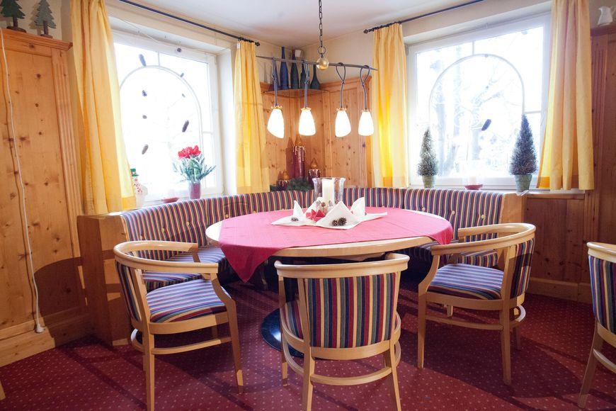 Slide4 - Hotel Schutthof