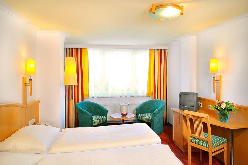 Slide2 - Hotel Schutthof