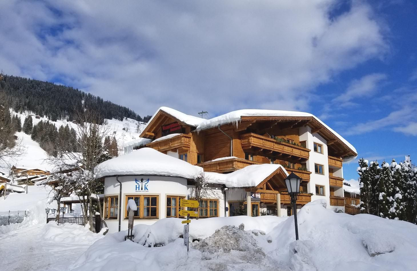 Slide1 - Alpenhotel Wildschonau