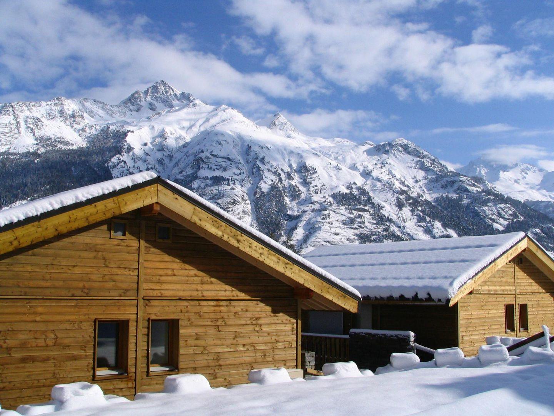 Meer info over Les Chalets Petit Bonheur  bij Wintertrex