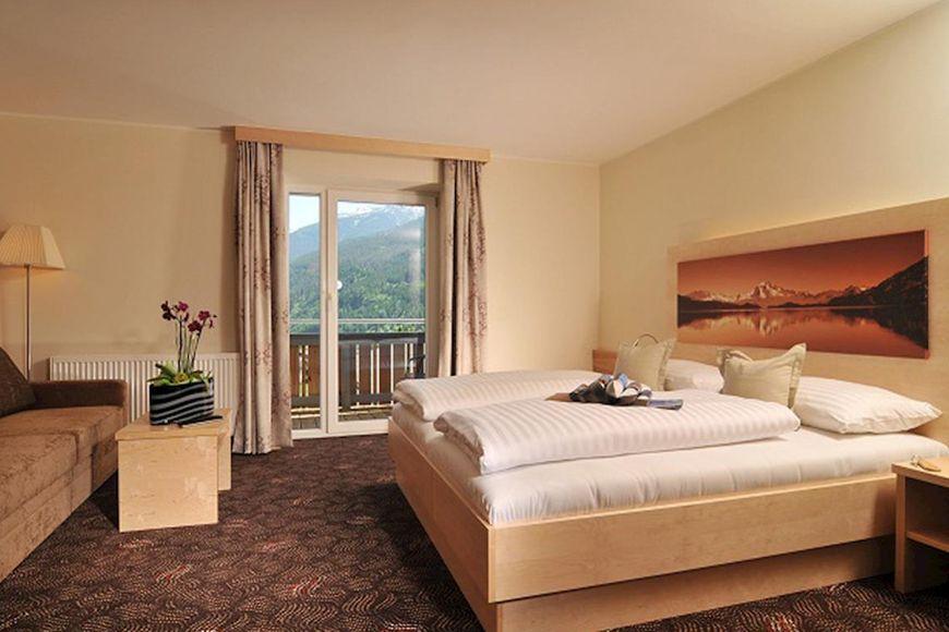 Slide2 - Hotel Tauernstern