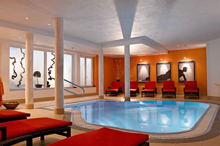 Slide3 - Hotel Alpina Resort