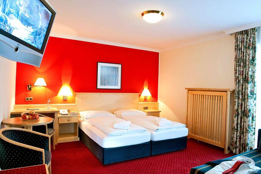 Hotel Alpina - Slide 2