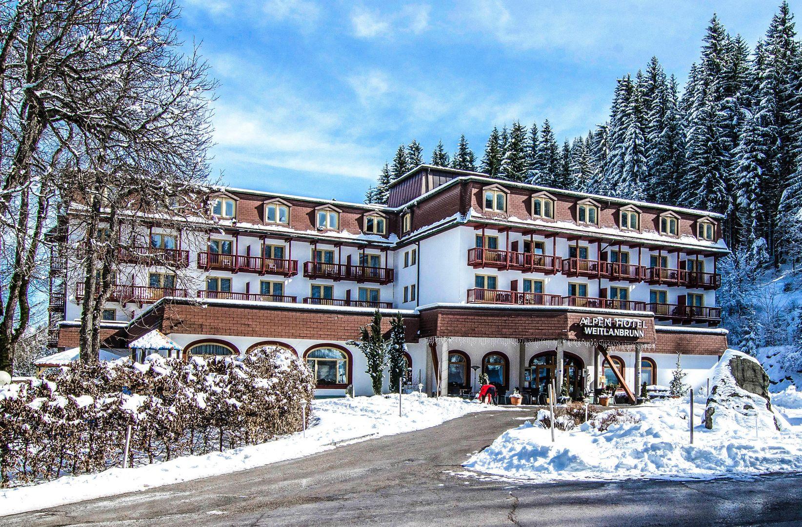 Alpine Hotel Weitlanbrunn - Slide 1