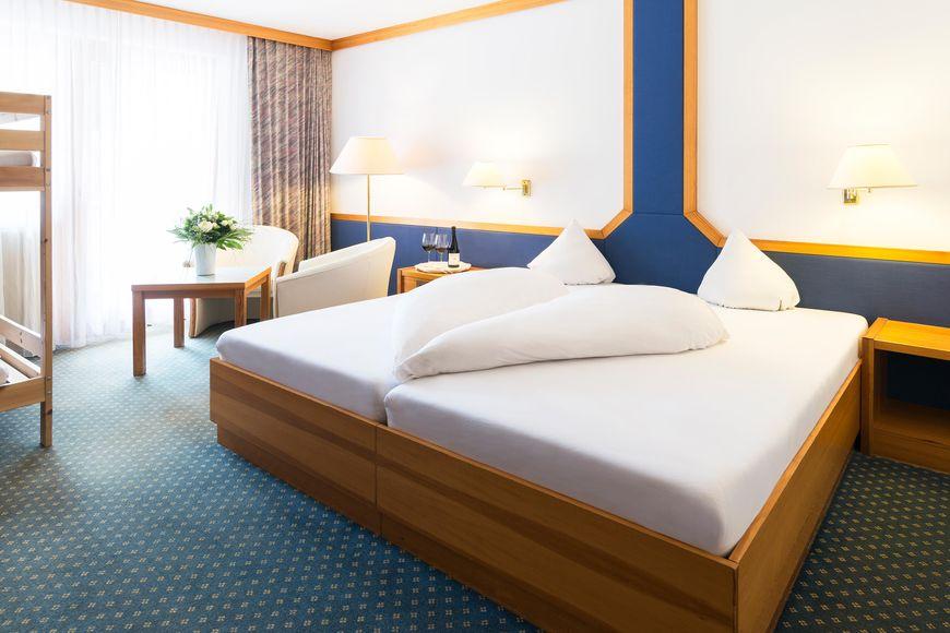 Alpine Hotel Weitlanbrunn - Slide 2