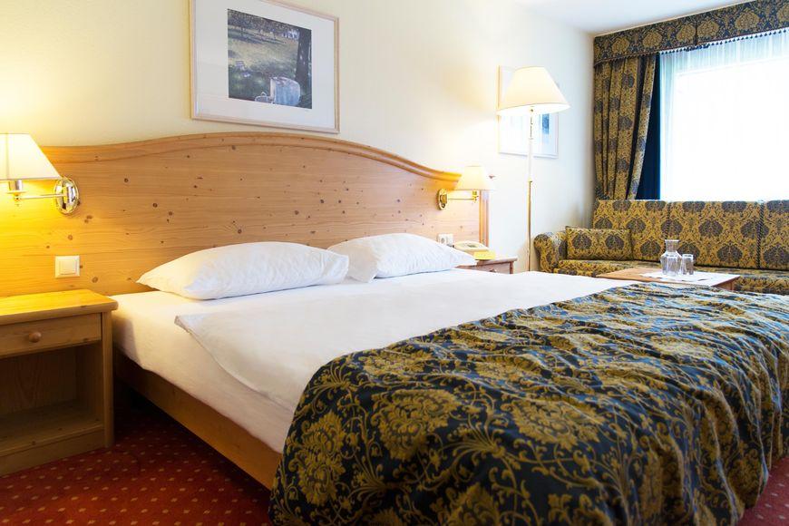 Slide2 - Hotel Alpenhof