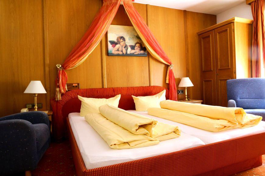 Slide2 - Hotel Pension Waldhof