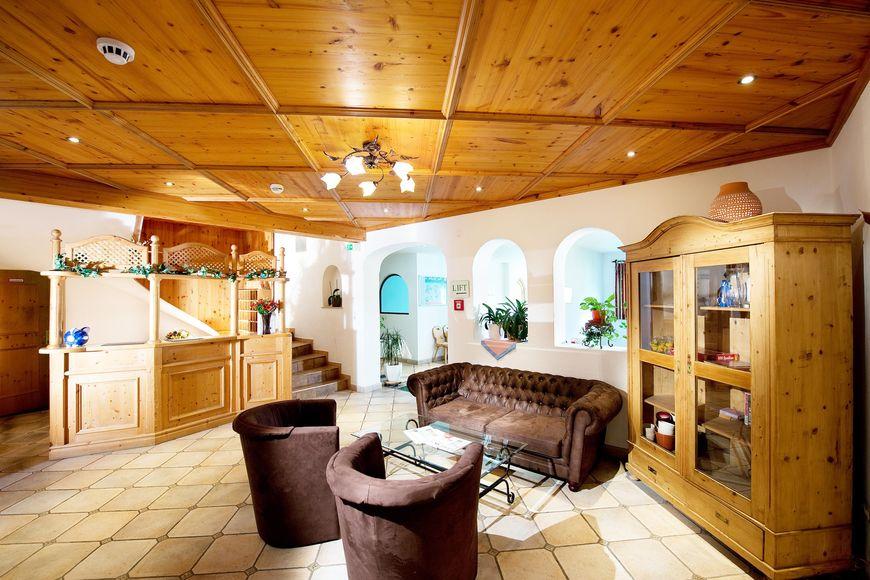 Slide4 - Holiday Hotel Alpenhof