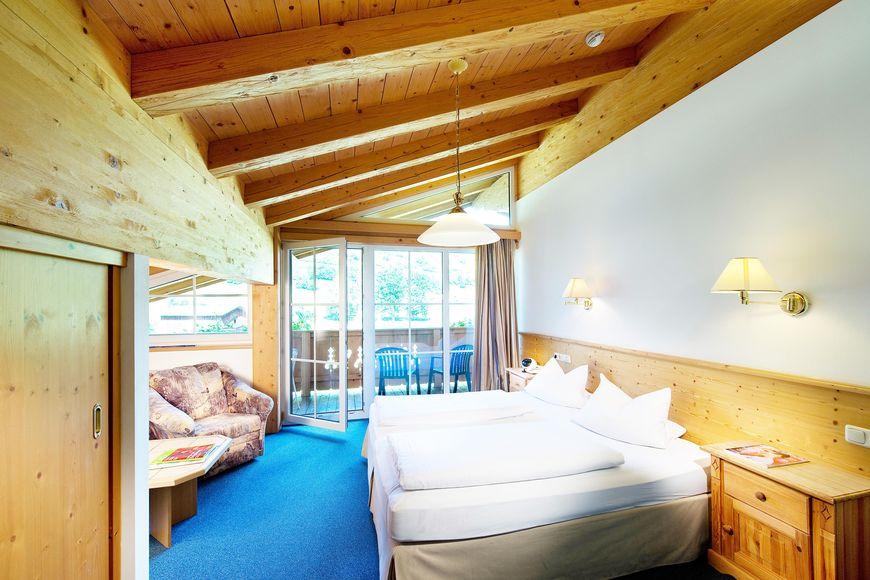 Slide2 - Holiday Hotel Alpenhof