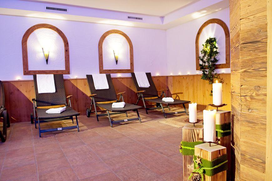 Slide3 - Holiday Hotel Alpenhof