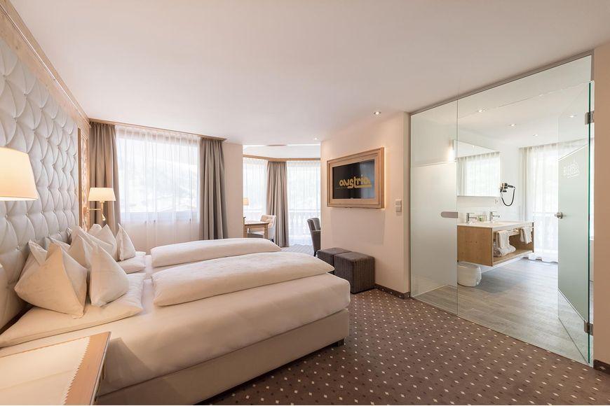 Slide2 - Hotel Austria & Bellevue