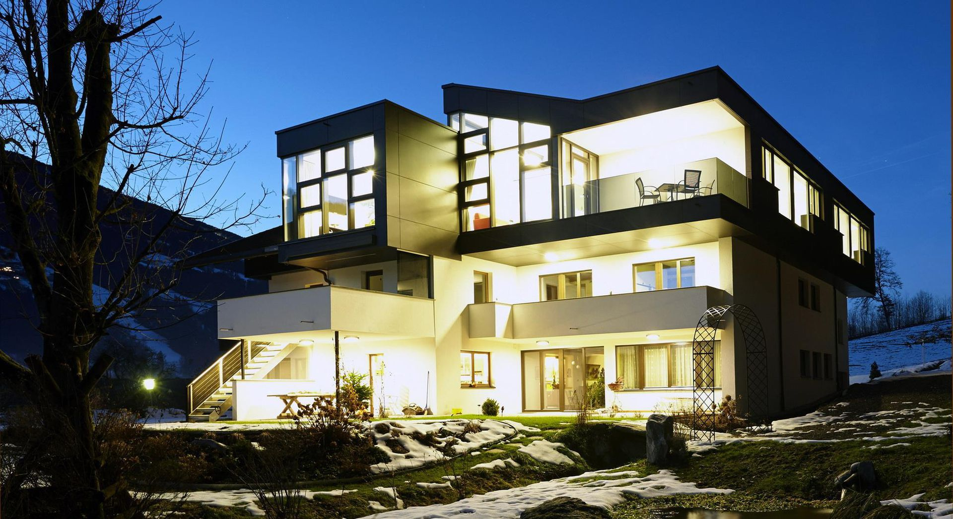 Slide1 - Thurnbach - Top Level Apartments