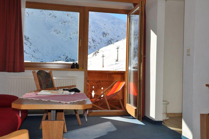 Slide4 - Naturparkhotel Kleon