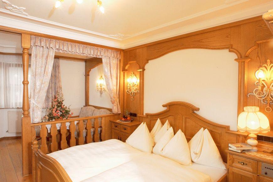 Slide2 - Hotel Stangl