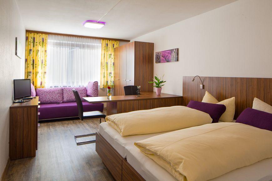 Slide2 - Hotel Krone