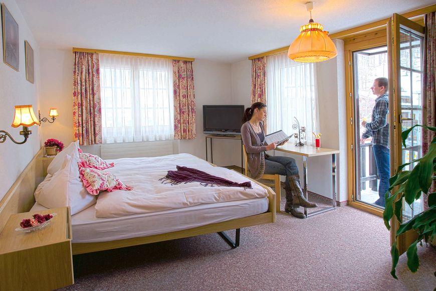 Hotel Bergheimat und Moonlight - Apartment - Saas Grund
