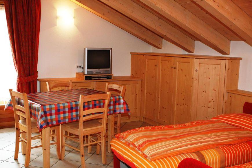 Ferienwohnung 5-Pers.-Appartement (ca. 48 m²), OV, Chalet Beatrice (1984051), Livigno, Sondrio, Lombardei, Italien, Bild 3