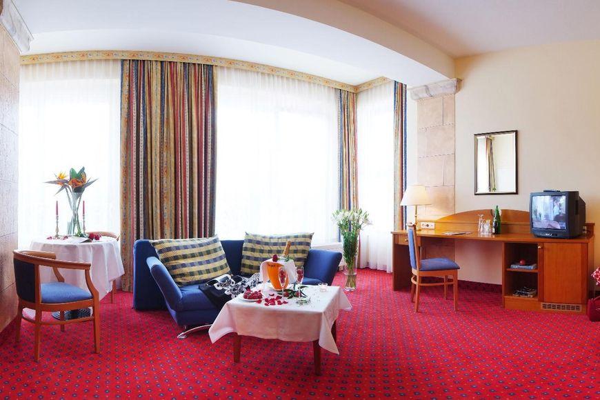 Slide2 - Hotel Elisabethpark