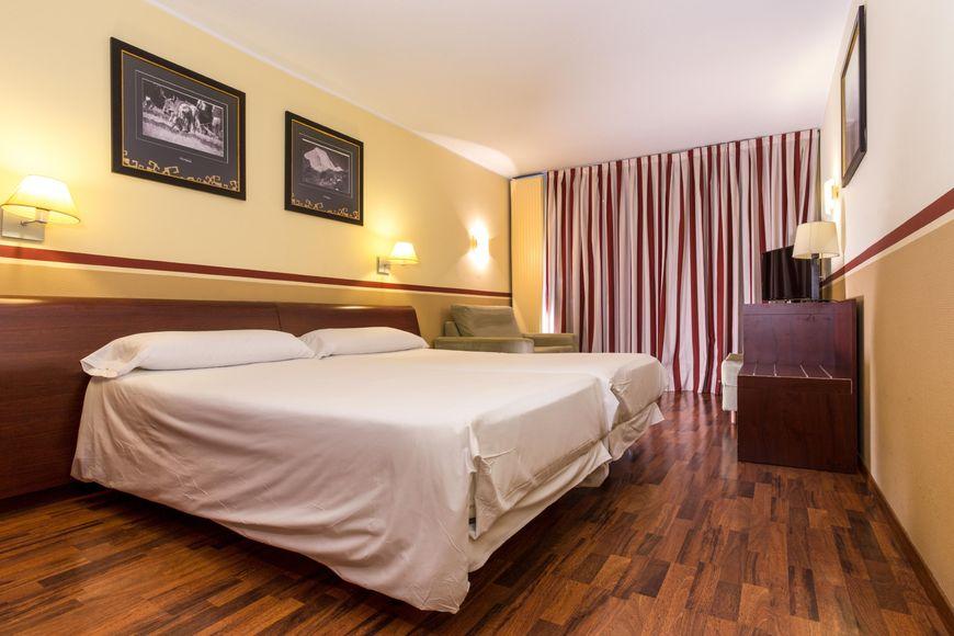 Slide2 - Hotel Himalaia